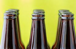 les bouteilles à bière vident Photographie stock libre de droits
