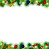 Les branches de l'arbre de Noël décorées des ballons, rubans, peuvent Images libres de droits