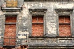 Les briques ont rempli appartement image libre de droits