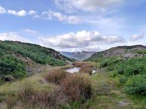 Les brochets de Langdale vus de Loughrigg sont tombés, secteur de lac Images libres de droits