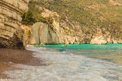 Les côtes les plus belles de l'Italie : Plage de Mergoli de dei de Baia (Pouilles) Images libres de droits