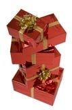 les cadeaux de Noël empilent le rouge photo libre de droits
