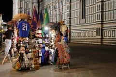 Les cadeaux et les souvenirs s'approchent des Di Firenze de Duomo de l'IL Image stock