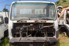Les camions ont ferraillé des véhicules Image libre de droits