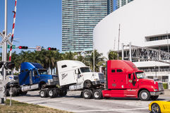 Les camions transportent à Miami Photo libre de droits