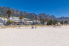 Les camps célèbres aboient plage avec le sable blanc à Cape Town photos libres de droits