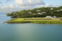 les Caraïbe L'île du St Lucia La piste d'atterrissage de l'aéroport Image stock