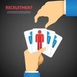 Les cartes créatives de recrutement tiennent à la main le concept Photo libre de droits