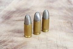 Les cartouches de calibre de 9mm Photographie stock libre de droits