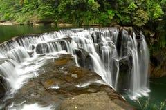 Les cascades à écriture ligne par ligne shifen dedans Taiwan Images stock