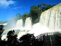 Les cascades ont appelé des hermanas de très de Las les 3 soeurs, sur Iguazu P image libre de droits