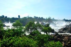 Les cascades puissantes de Khone Phapheng près de Don Det Images stock