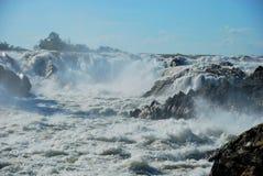 Les cascades puissantes de Khone Phapheng près de Don Det Photos libres de droits