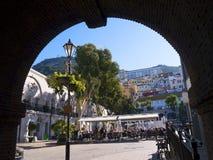 Les Casemates ajustent sur le rocher de Gibraltar à l'entrée à la mer Méditerranée Photo libre de droits