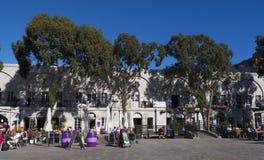 Les Casemates ajustent sur le rocher de Gibraltar à l'entrée à la mer Méditerranée Photo stock