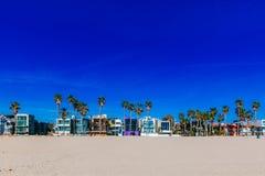 Les Chambres et les palmiers près de Venise échouent, Los Angeles photographie stock libre de droits