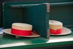 Les chapeaux de paille du gondolier traditionnel à Venise Image libre de droits