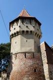 Les charpentiers dominent au vieux centre de ville de Sibiu Images libres de droits