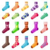 Les chaussettes colorées de conception plate ont placé la sélection d'illustration de vecteur du tissu chaud de divers pied de co Photos stock