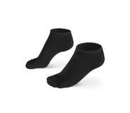 Les chaussettes courtes noires vides conçoivent la maquette, d'isolement, chemin de coupure image libre de droits