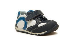 Les chaussures de bébé d'isolement sur le fond blanc Photo libre de droits