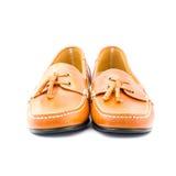 Les chaussures de l'homme de Brown d'isolement sur le blanc Image stock