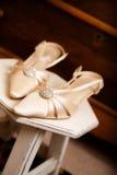 Les chaussures de la mariée Images stock