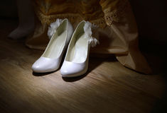 Les chaussures de la mariée photo libre de droits