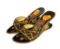 Les chaussures des femmes avec la broderie Image stock