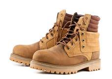 Les chaussures des hommes sur le fond blanc photos libres de droits