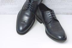 Les chaussures en cuir classiques des hommes Image libre de droits