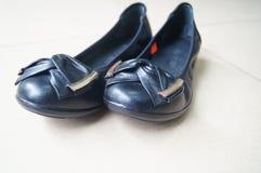 Les chaussures en cuir des femmes Images libres de droits