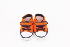 Les chaussures rouges du gosse Image stock