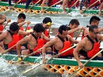 Les chemins 2012 de bateau de dragon à Kaohsiung Images stock