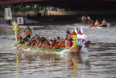 Les chemins 2012 de bateau de dragon à Kaohsiung Images libres de droits