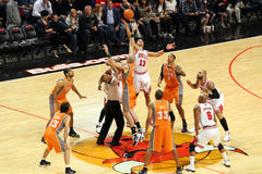 Les Chicago Bulls Contre les soleils de Phoenix Image libre de droits