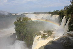Les chutes d'Iguaçu - arc-en-ciel Photo libre de droits