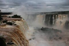 Les chutes d'Iguaçu - cascades Photo libre de droits
