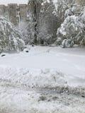 Les chutes de neige lourdes frappe Chisinau au milieu du ressort images libres de droits