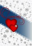 Les coeurs avec des rubans sur le fond clair répandu fleurit Photographie stock