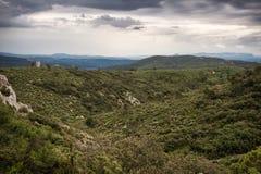 Les collines de la Provence images libres de droits