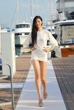 Les conceptions de présentation modèles de la mode de station de vacances de peau au yacht de Singapour montrent 2013 Photos libres de droits
