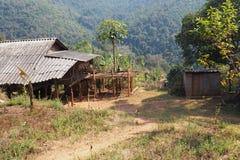 Les conditions de vie de l'environnement familial des montagnards Images libres de droits