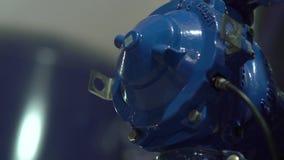 Les connexions des conduites d'eau banque de vidéos