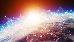 Les connexions système et les échanges de données sur terre 3D de planète rendent Images stock