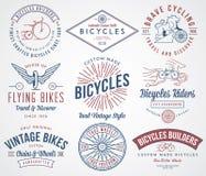 Les constructeurs de bicyclette ont placé 2 colorés Image stock