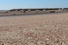 Les coquilles récupèrent la plage en Bernerie-en-Retz de La (les Frances) Photo stock