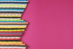 Les cordes colorées s'étendent à plat photos stock