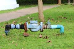 les couleurs contrastent la haute eau de pipes Photographie stock libre de droits