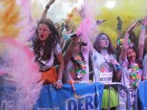 Les couleurs courent tour du monde 2016, Bucarest de tropicolor Image libre de droits